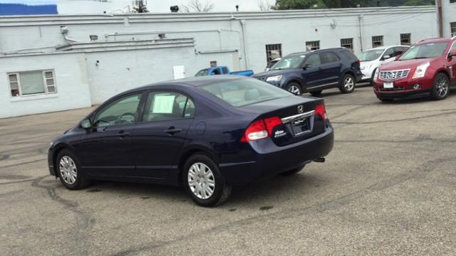 Pre-Owned 2009 Honda Civic 4dr Auto DX-VP