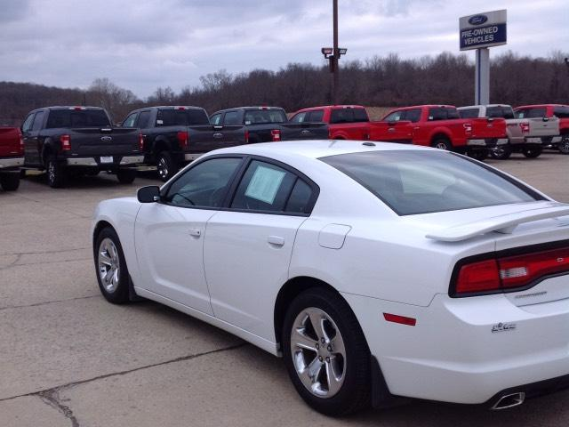 Pre-Owned 2012 Dodge Charger 4dr Sdn SXT RWD