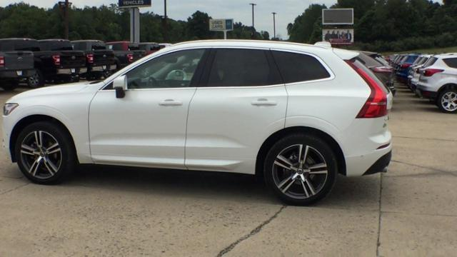 Pre-Owned 2019 Volvo XC60 T5 AWD Momentum