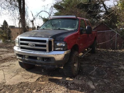 Pre-Owned 2004 Ford Super Duty F-250 Crew Cab 172 XLT 4WD